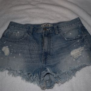Hollister cut off jean shorts size 11/ 30